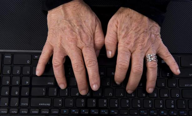 older-worker-hands_popup